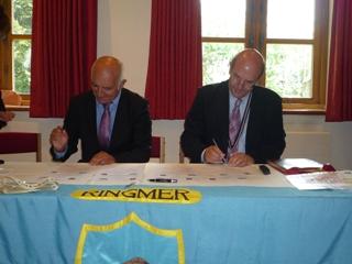 signature-avec-ringmer-2012